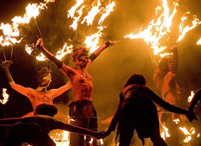 С Бельтайном всех празднующих! С праздником любви и огней!