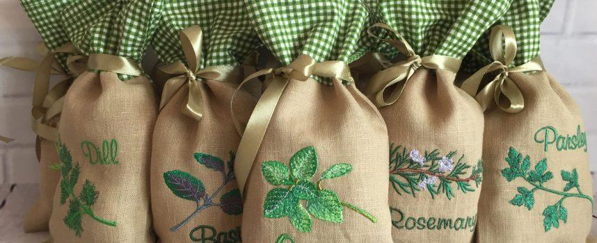 Изготовление цветных мешочков для ритуалов